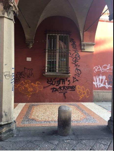 ufficio anagrafe bologna orari interventi di rimozione vandalismo grafico quartiere
