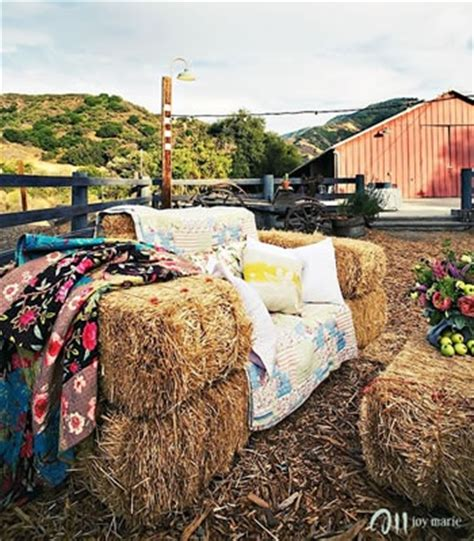 Hay Bale Sofa by Hay Bale Sofa I Want To Do This Idea Hay Bale