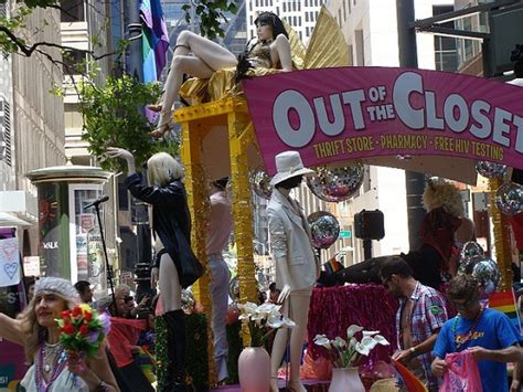 Out Of The Closet Hiv Testing by Free One Minute Hiv Testing While You Shop For Clothes