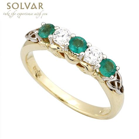 ring 14k gold with and emerald