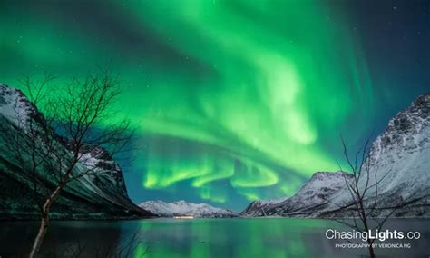 where are the northern lights located where are the best places countries to see the northern