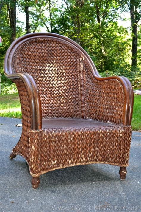 Painting Wicker Bedroom Furniture by How To Paint Wicker Furniture With A Brush Chair Makeover