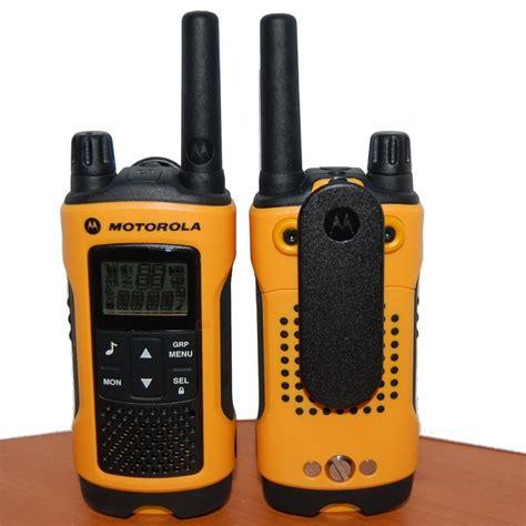 motorola tlkr t80 walkie talkie pack