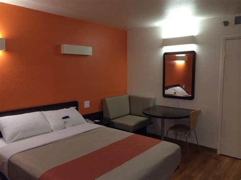 How Much Is A Room At Motel 6 by Remodeled Room Not Shabby Picture Of Motel 6
