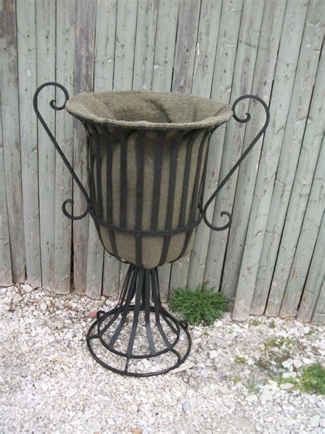 Metal Outdoor Planters by 24 Quot Wrought Iron Urn Planter Metal Garden Flower Pot W
