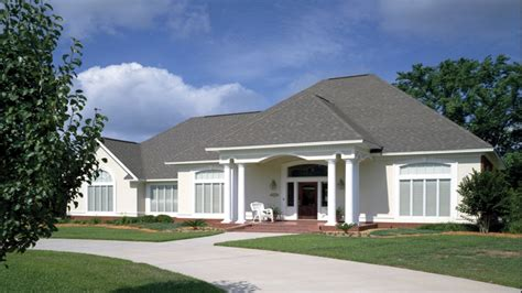 single story house styles simple single story ranch single story ranch style stucco