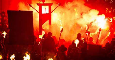 Bonfire In Lewes lewes bonfire celebrations mirror