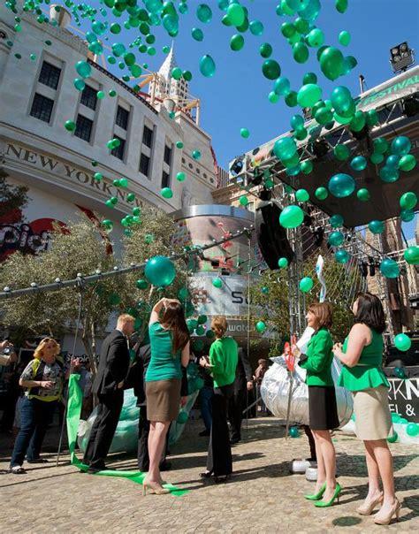 Baloon On Newyork balloon release at new york new york s ribbon cutting