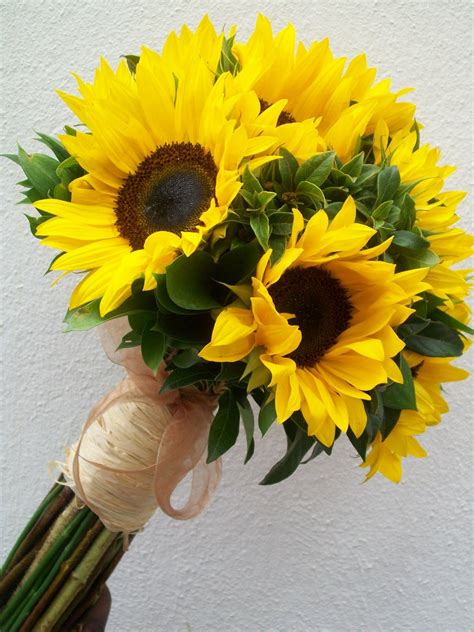 wedding bouquet sunflowers memorable wedding sunflowers for your wedding
