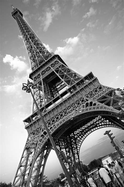 wallpaper black and white paris paris eiffel tower black and white free download wallpaper