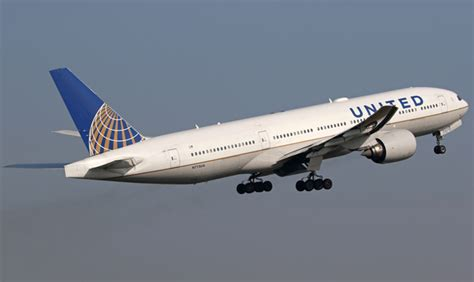 united airline sign in united converts 10 787 orders to 777 300er