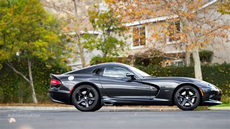 dodge cuts 15k the 2014 and 2015 viper srt s price autoevolution