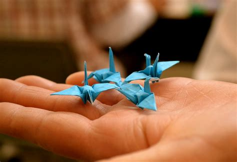 Tiny Origami - traditional japanese arts origami and kirigami the arts