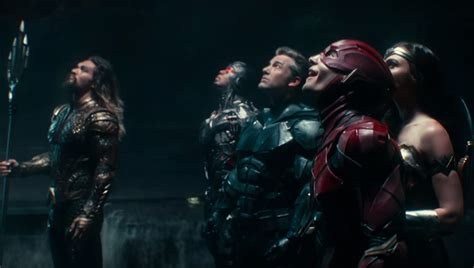 film justice league tayang batman needs warriors flash explains his speedy powers in