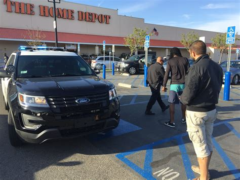 wields knife in playa vista home depot parking lot