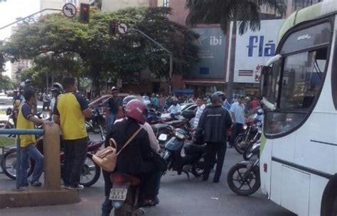aumento sindicato plastico goinia g1 motoristas de 244 nibus protestam por aumento salarial