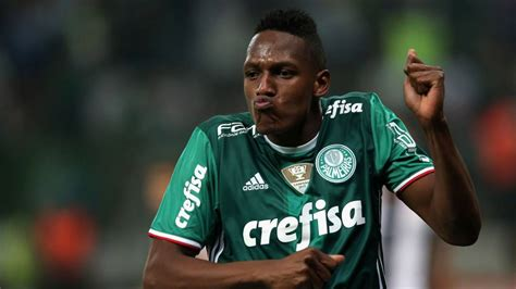Yerry Mina | barcelona eyeing palmeiras star yerry mina but for 2018