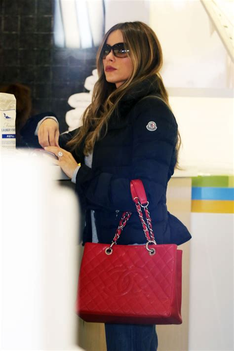Shopping On Robertson by Sofia Vergara Goes Furniture Shopping On Robertson Blvd In