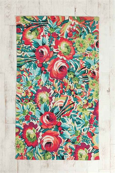 urbanoutfitters rug 3x5 bouquet rug