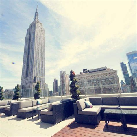 Roof Top Bar Manhattan by 17 Best Images About Nyc Rooftops On Terrace Rooftop Gardens And New York