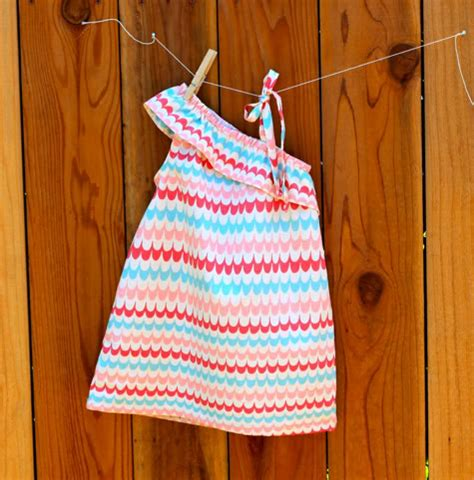 cute dress pattern free make for baby 25 free dress tutorials for babies toddlers