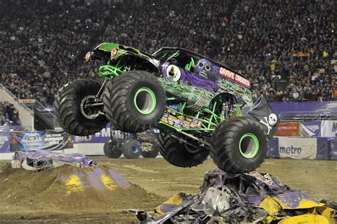 2014 monster jam trucks noise pr