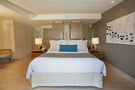 relax   tastefully decorated standard panoramic room