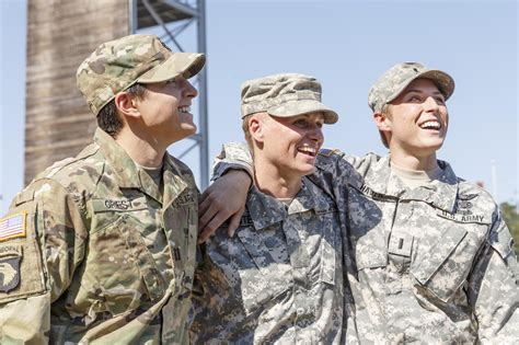 female us army rangers 3rd woman and 1st female reservist dons ranger tab