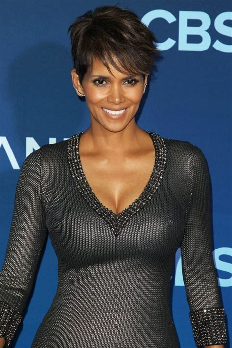 picture of halle berry hairstyle on extant premiere halle berry extant halle berry at extant