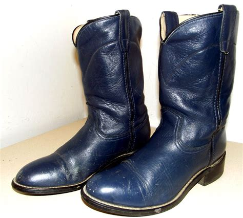 acme brand navy blue cowboy boots size 6 d or size 7 5