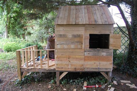 Fabriquer Une Cabane Avec Des Palettes 5285 by Cabane En Bois De Palette