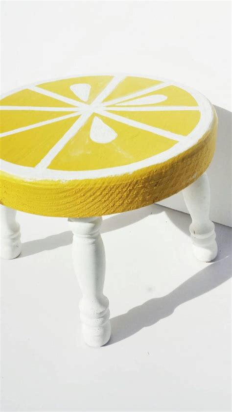 Painted Wooden Stools by Best 25 Painted Stools Ideas On Painted
