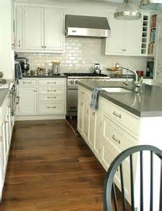 Quartz Kitchen Countertops Grey Quartz Countertops Transitional Kitchen Carla Interiors