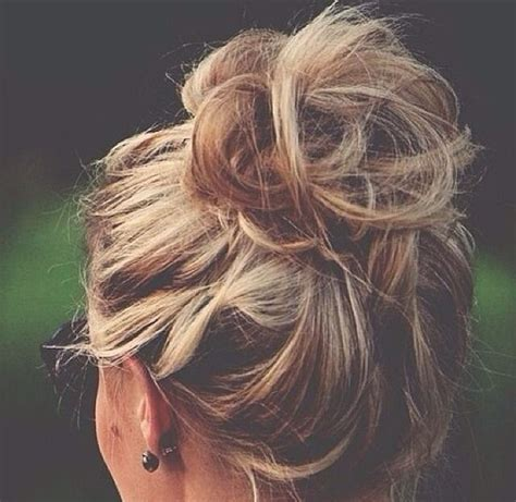 cute hairstyles messy buns cute messy bun cute hair pinterest
