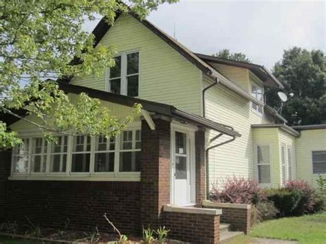 foreclosure home for sale 724 s 3rd st goshen indiana