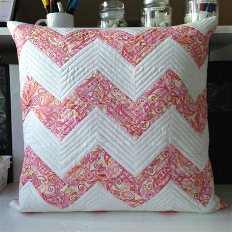 Quilt Pillow Patterns by Free Quilt Pattern Chevron Pillow