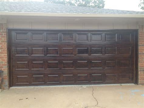 Metal Garage Door Made To Look Like Wood Brought To You Metal Garage Doors That Look Like Wood