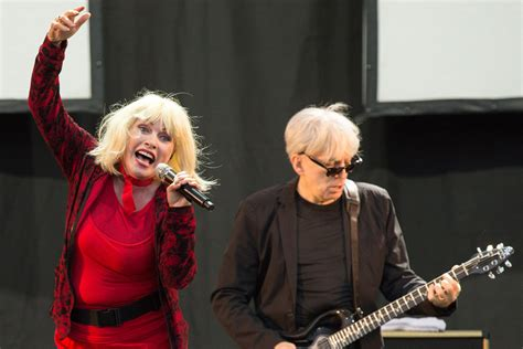 Grammy Of Fame Also Search For Blondie Fleetwood Mac And Grateful Dead Inducted Into 2016 Grammy Of Fame Nme