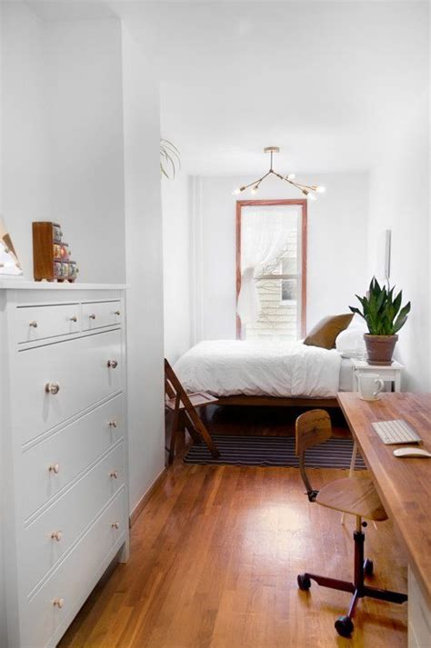Small Bedroom With Desk Best 10 Small Desk Bedroom Ideas On Pinterest Small Desk For Bedroom Desk Ideas And Shelves
