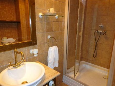 bella bathrooms reviews bella muzica updated 2017 prices hotel reviews brasov