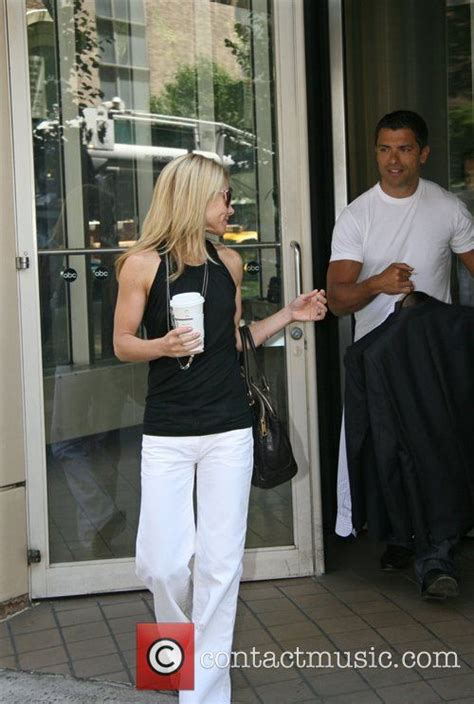 25 best ideas about kelly ripa age on pinterest kelly 25 best ideas about kelly ripa leaves on pinterest