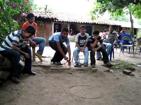 imagenes niños jugando a las canicas jugando chibolas en la comunidad youtube