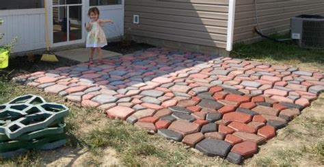 Quikrete Landscape Rock 12x12 Patio Made Using Quikrete Walkmaker Country