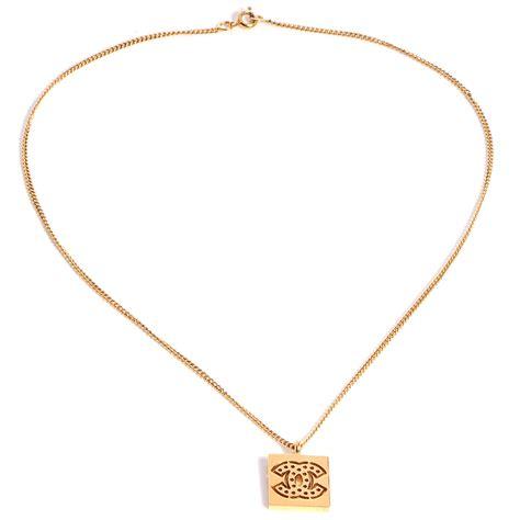 chanel cc pendant necklace gold 78970