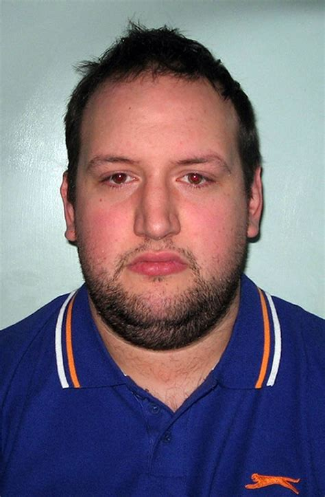 Manhunt For Offender Who Lures On Dating