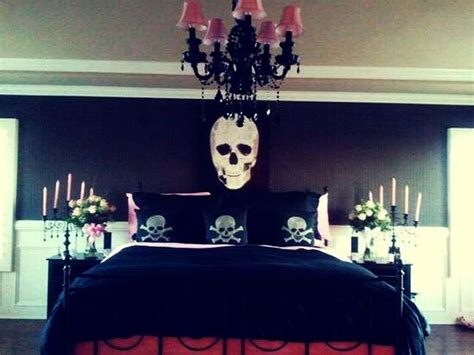 easy halloween bedroom decor tips ideas  spook   room