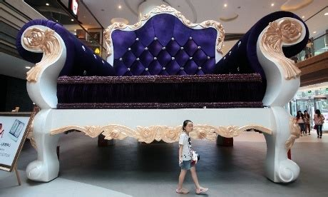 world s biggest sofa worlds largest sofa in shanghai our world pinterest