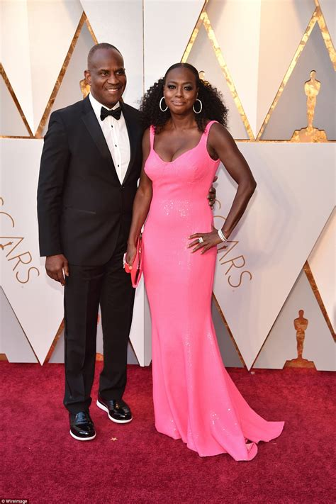 Oscars Liveblog Purple And Blue Baby by Oscars 2018 Arrive On The Carpet Daily Mail