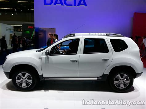 renault duster 2014 white dacia duster facelift launched frankfurt live