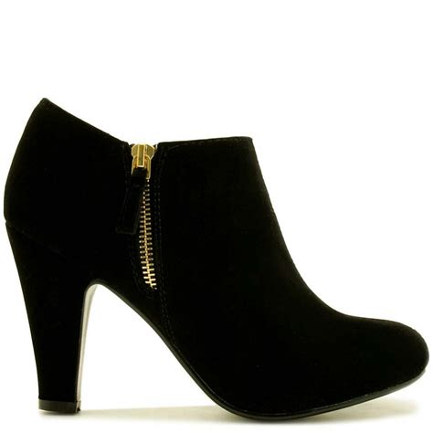 sepatuolahragaa black boots with heels images